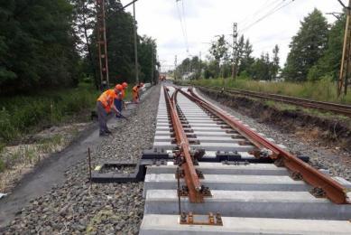 Nowe tory już są – trwa remont na kolei