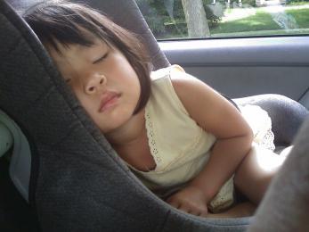 Wiesz jak zadbać o bezpieczeństwo dziecka w samochodzie?