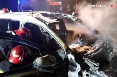 W Żorach spłonęło Audi warte 300 tys. złotych. Policja wyjaśnia okoliczności zdarzenia