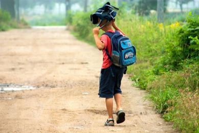 Zanim dziecko wyruszy do szkoły - policjanci radzą