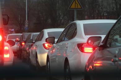 Korytarz życia i jazda na suwak obowiązkowe - sejm znowelizował prawo o ruchu drogowym