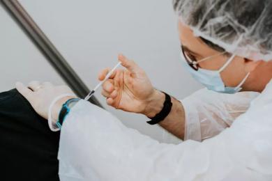 Druga dawka szczepionki AstraZeneca dla nauczycieli