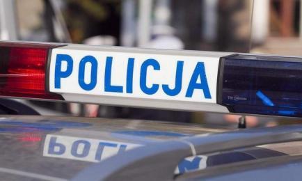 43-latek zatrzymany za picie alkoholu w miejscu publicznym. Był poszukiwany
