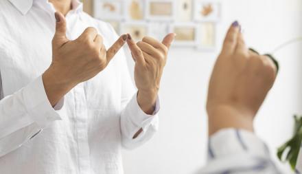 W Urzędzie Miasta Żory można skorzystać z pomocy tłumacza języka migowego