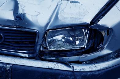 Wypadek na skrzyżowaniu ulicy Okrężnej z Aleją Zjednoczonej Europy. Jedna osoba w szpitalu
